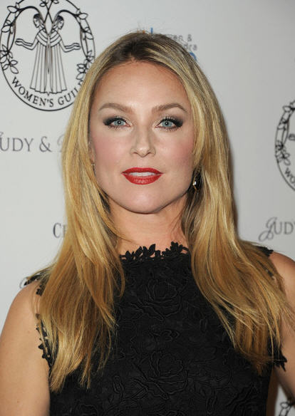 Gallery For > Elisabeth Röhm Law And Order