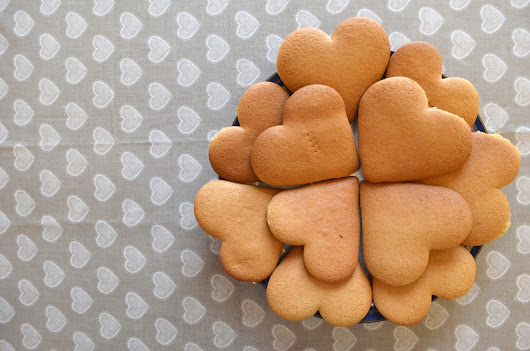 Valentine's Gingerbread Heart Biscuits