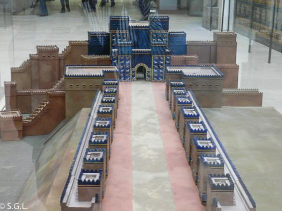 Maqueta Puerta de Ishtar. Museo de pergamo en Berlin