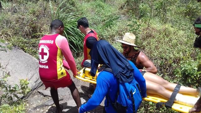 Bombeiros Militares resgatam Mulher que se feriu em trilha, na Chapada Diamantina