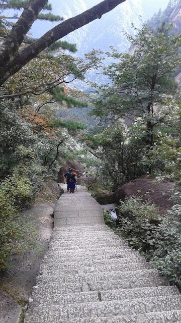 Ruta a pie en las Montañas Amarillas de Huangshan