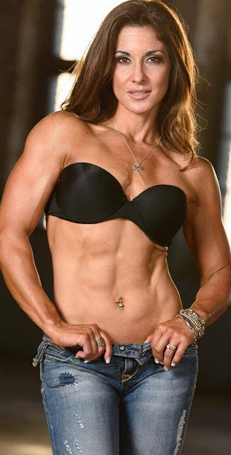 Female Fitness, Figure and Bodybuilder Competitors: Maggie