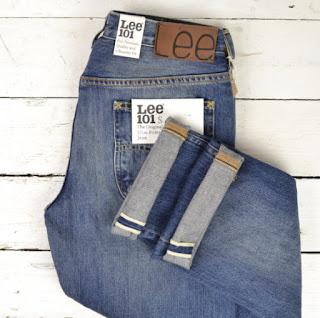 Потертости и царапины на джинсах