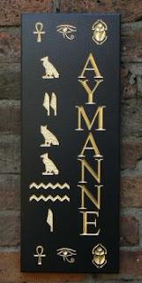 placa com inscrições