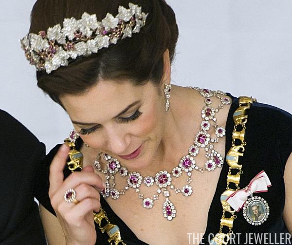 Crown Princess Mary Wears The Danish Ruby Parure Photo Keld Navntoft Afp Getty Images