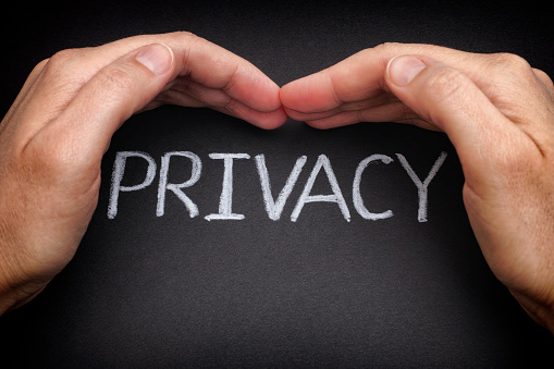 ميزات يمكنك استخدامها للحفاظ على خصوصيتك في واتس اب