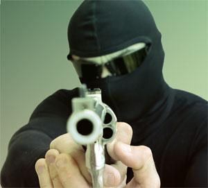Resultado de imagem para bandidos armados