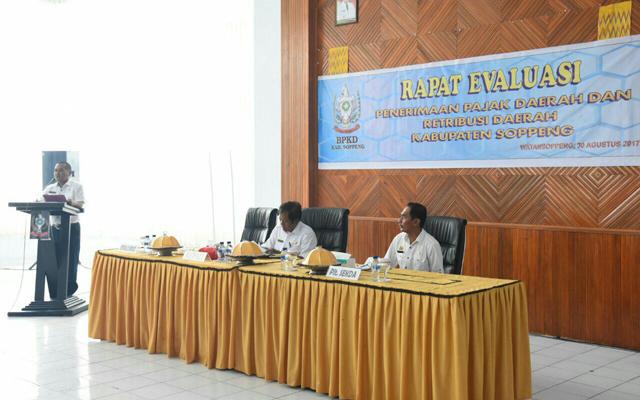 Bupati Soppeng Buka Rapat Evaluasi Penerimaan Pajak Daerah