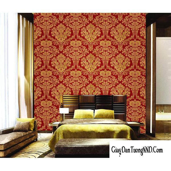 Mẫu giấy dán tường phòng ngủ màu đỏ hoa văn hoàng gia khiến căn phòng ngủ trở lên xa hoa, nguy nga hơn