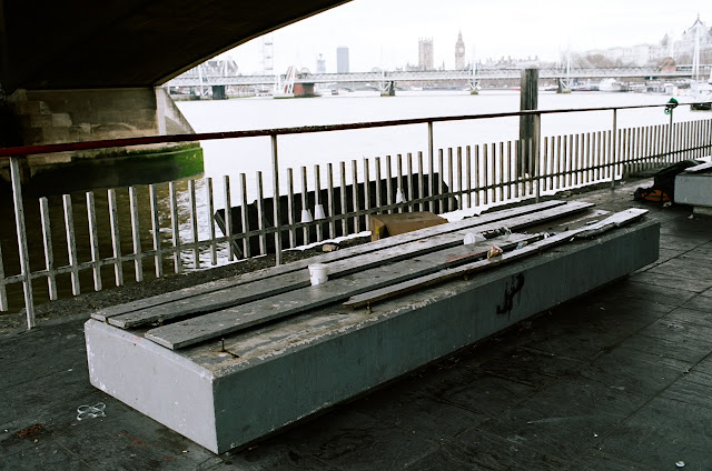 London bench Waterloo Bridge Albert Embankment