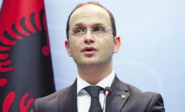 Τα θέλουν «όλα» τα Τίρανα – Εθνικιστικό κρεσέντο από τον Αλβανό ΥΠΕΞ