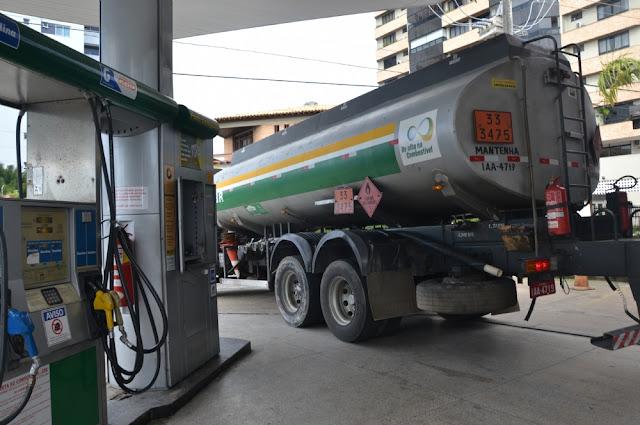 Caminhões de combustíveis