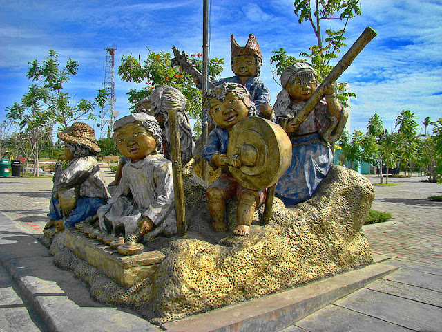 a sculpture at people's park, davao city