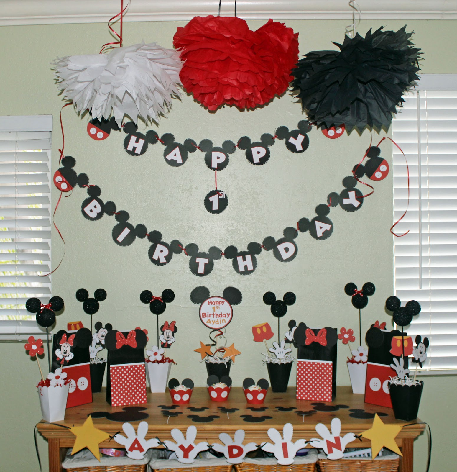 Deanne's Crafting Adventures: Mickey Mouse Party