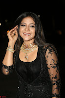 Sakshi Agarwal looks stunning in all black gown at 64th Jio Filmfare Awards South ~  Exclusive 125.JPG