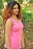Aarthi glamorous photo gallery-thumbnail-11