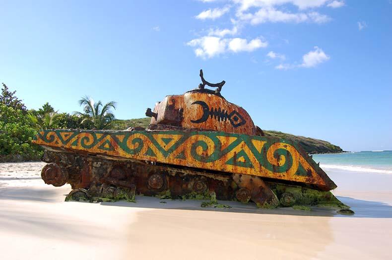 Los tanques de la playa Flamenco | Puerto Rico