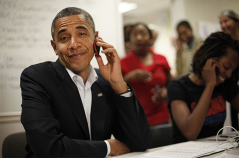 Hình ảnh chế hài hước của Obama - Cảm xúc vui, obama nghe dien thoai