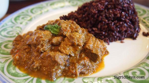 Merkado organic restaurant beef curry