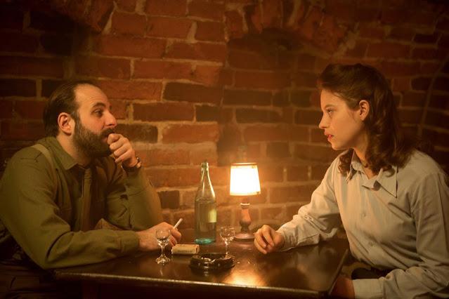 O filme Agnus Dei é baseado nas experiências da médica francesa Madeleine Pauliac, no filme a jovem médica se chama Mathilde Beaulieu e é interpretada pela atriz Lou de Laâge