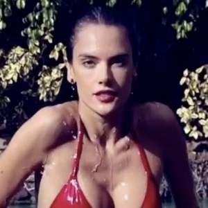 Alessandra Ambrosio Se Desnuda Para Recibir La Primavera Hot Latin