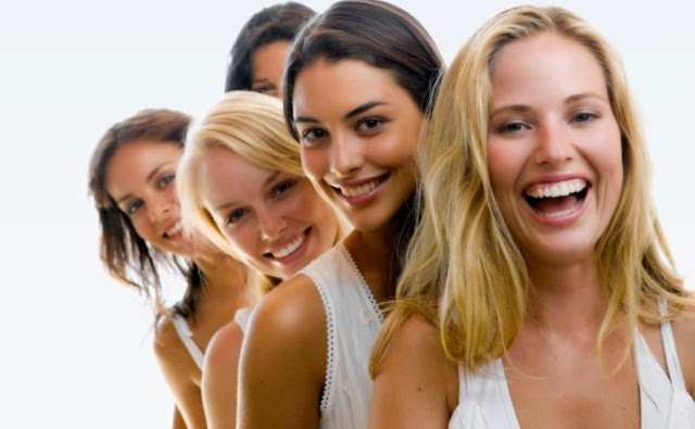 10 «παράξενα» γυναικεία πράγματα που έλκουν έναν άντρα