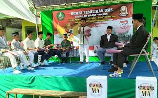 MA dan MTs. Sirojut Tholibin Taman Sari Gelar Pemilihan Ketua OSIS