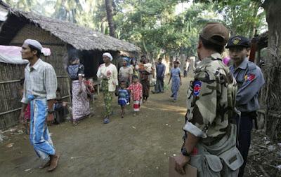 Walikota Buddha di Buthidaung Myanmar Peras Muslim Rohingya, dengan Kebijakan Denda Selangit