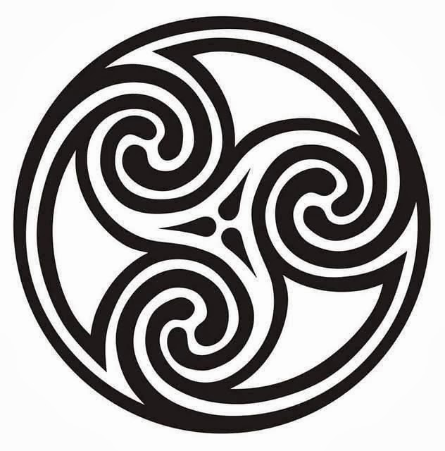Celtic triple spiral circle tattoo stencil