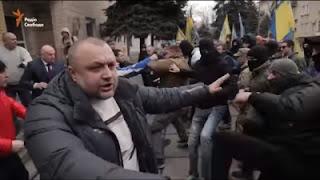 """На оккупированном Донбассе произошла массовая драка с боевиками """"Азова"""" (видео)"""