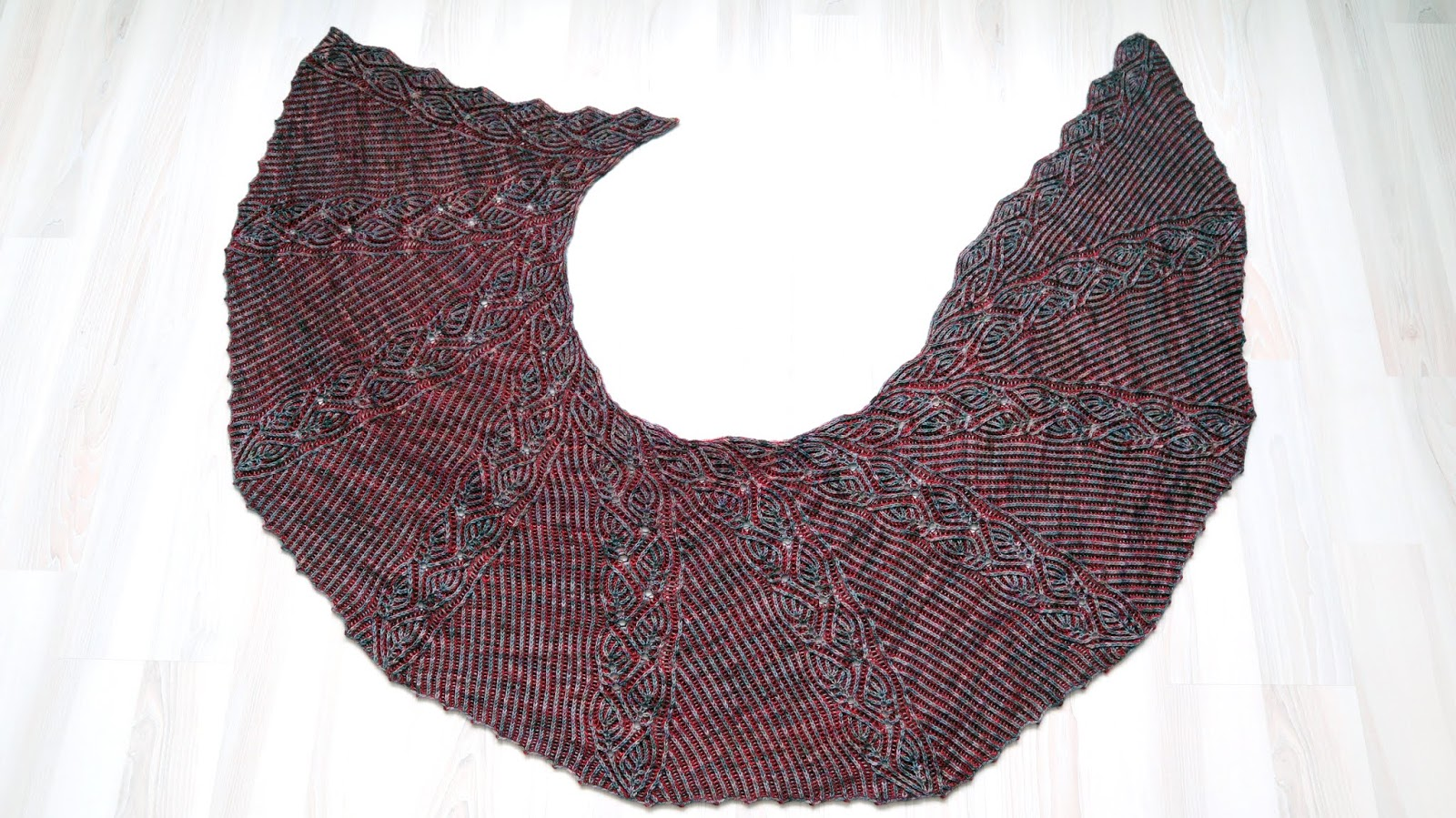 Foliage Shawl - Brioche Knitting