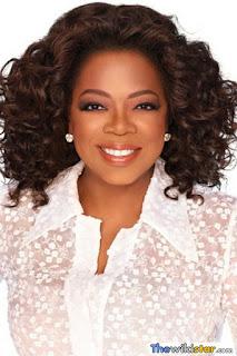 اوبرا وينفري (Oprah Winfrey)، مقدمة برامج حوارية أمريكية وممثلة مسرحية