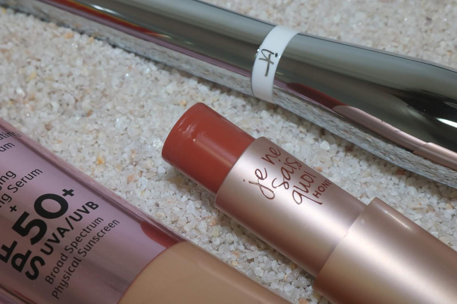 IT Cosmetics Je Ne Sais Quoi Hydrating Color Awakening Lip Treatment in Honey
