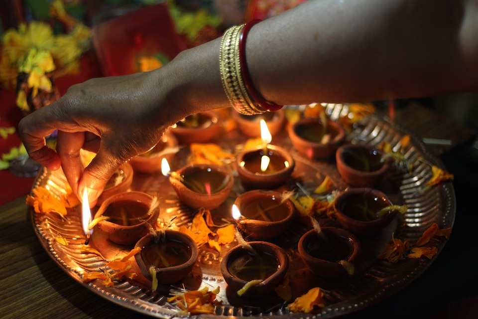 Amazing Here are some ideas that can help you to decorate your house during Diwali