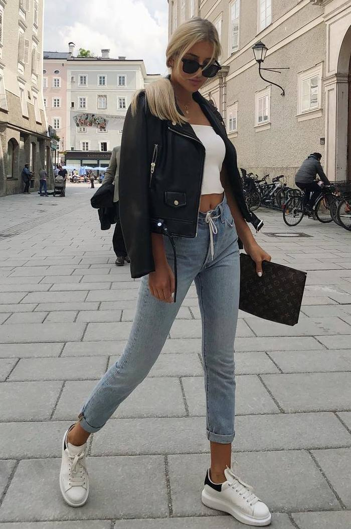 cute outfit idea to copy right now : black jacket + white crop top + bag + jeans + sneakers