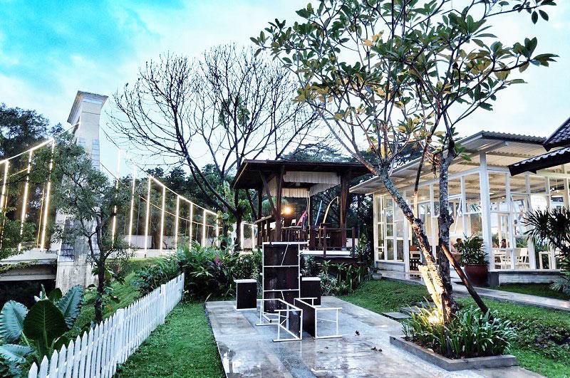 BataPuti Coffee House, tempat Nongkrong Romantis di Malang