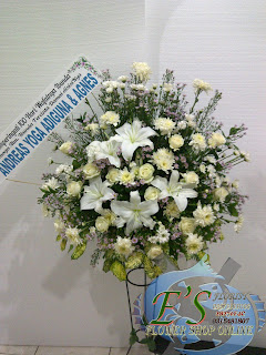 rangaian bunga standing flower belasungkawa