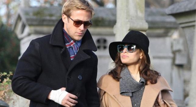 Ryan Gosling sauve un chien d'être frappé pendant ses vacances avec Eva Mendes