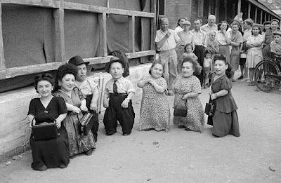 7 enanitos de Auschwitz