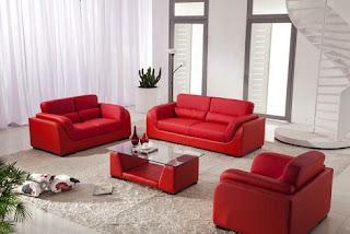 Sala con muebles rojos