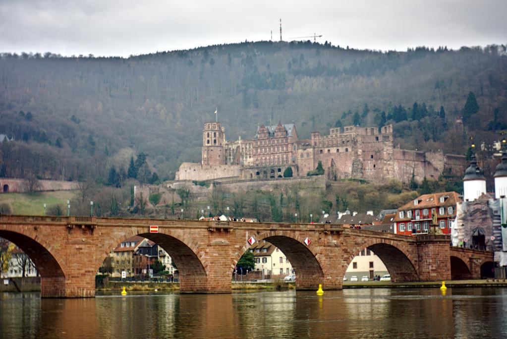 Neckarbrücke mit Heidelberger Schloss