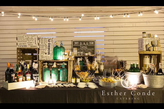Buffet de tapas para una boda tipo coctel - Foto: Esther Conde