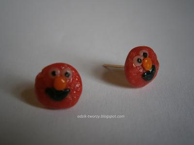 kolczyki-sztyfty Elmo z modeliny