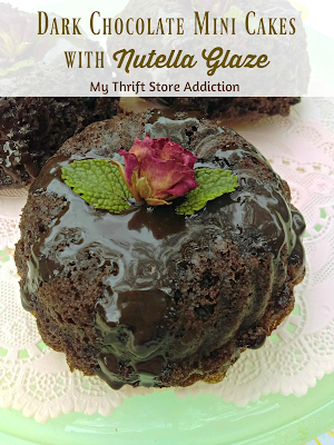 Dark chocolate mini cakes with nutella glaze