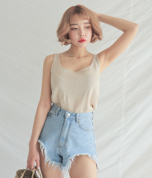 Basic Sleeveless Knit Top