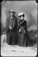Chefe Tindoor, Lemhi Shoshone e sua esposa, 1897.-2