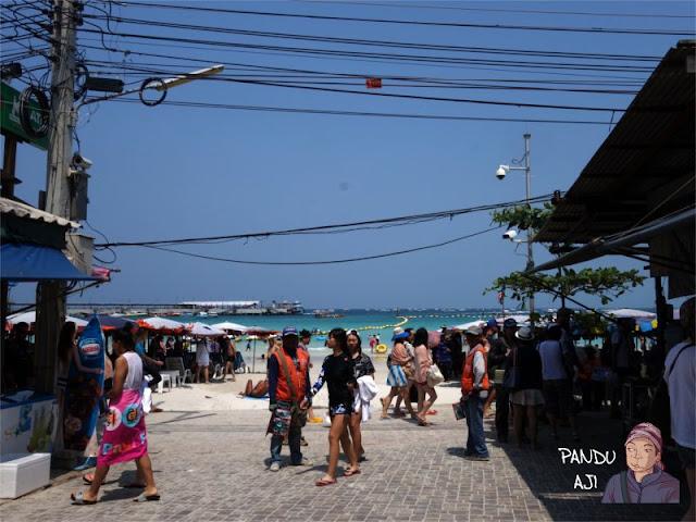 Tawaen Beach di Koh Larn