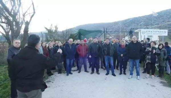 Κυψελοχώρι Λάρισας: Συγκέντρωση κατοίκων κατά της έλευσης λαθρομεταναστών