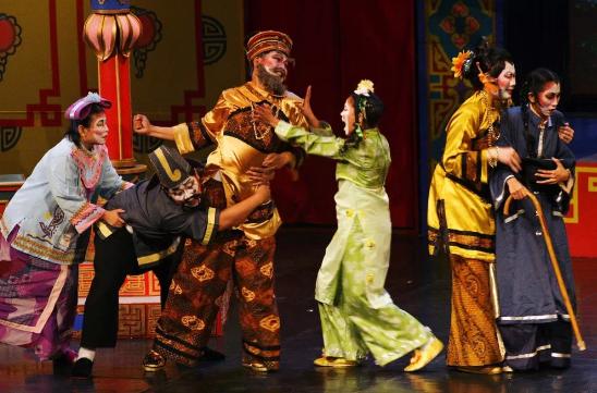 Pergelaran Teater Tradisional dan Teater Kreasi