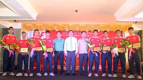 VPF bàn giao 4 cầu thủ cho SHB Đà Nẵng